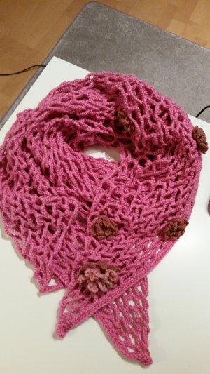 rosa Schal mit fünf Blumen, Handwerk
