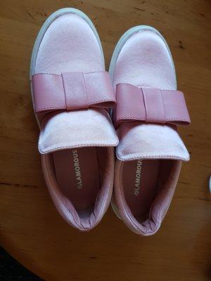 Rosa Schuhe mit Schleife