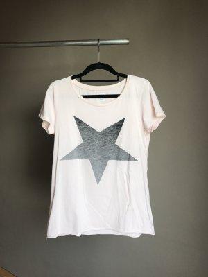 Rosa Shirt mit grauem Stern