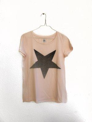 Rosa Shirt mit Stern