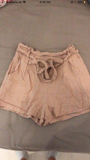 Bershka High-Waist-Shorts nude-pink