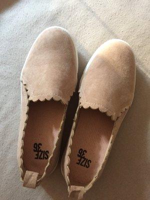 Rosa Wildleder Schuhe
