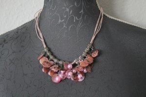 Rosafarbende Perlen Kette und Ohrringe Set