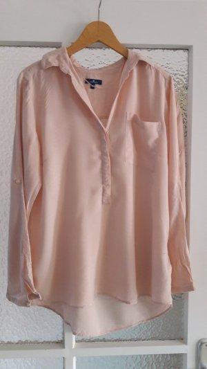 Rosafarbene Hemdbluse aus luftigem Stoff