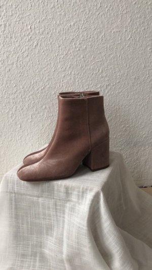 Rosafarbene Schuhe mit Absatz