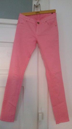 rosafarbene Skinny Jeans von Zara