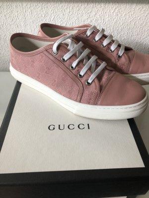 Rosafarbene Sneaker von Gucci