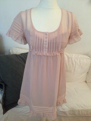 Rosafarbenes Kleid mit Rüschen und Biesen