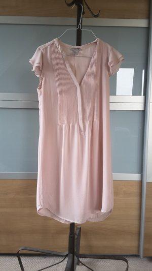 rosafarbenes knielanges Brautjungfernkleid
