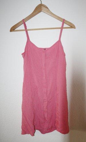 rosafarbenes Trägerkleid mit durchgehender Knopfleiste