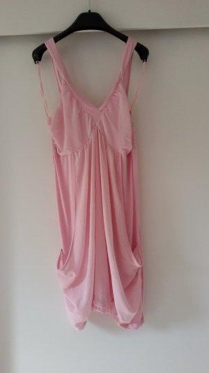 Rosanes-luftiges-Kleidchen