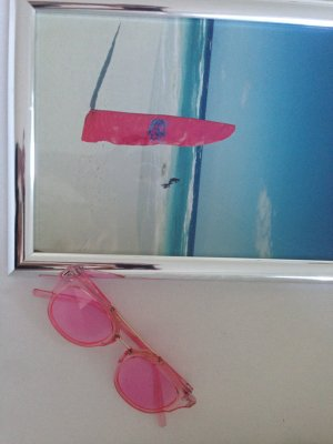 Rosarote Sonnenbrille