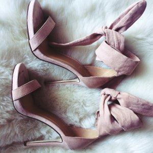 Rosé Altrosa Sandaletten mit Absatz zum Binden