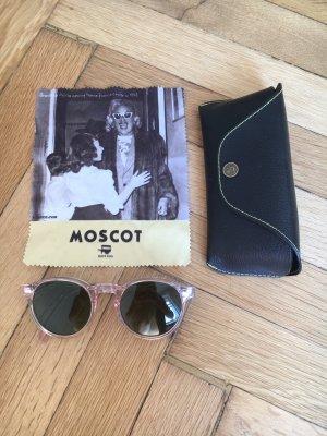 Rose Babylove // Moscot Shades