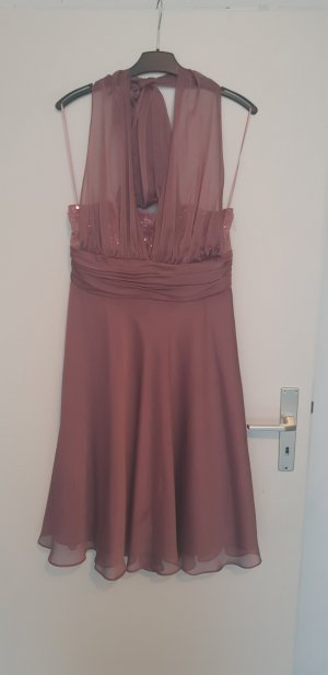 Rose farbendes Kleid