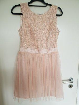 Rose farbendes Kleid mit Pailletten und Tüll