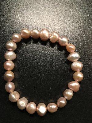 rosé farbenes Perlenarmband