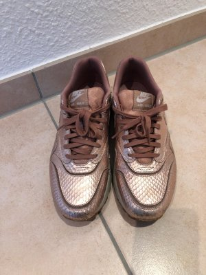 Rose-Goldene Nike air Max