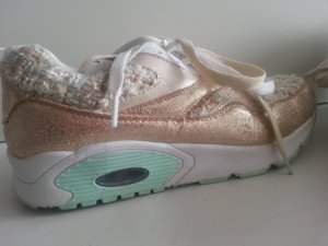 Rosèfarbene Sneaker ♡