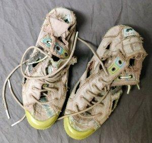Rosefarbene Sneakers im Used-Look von Chipie