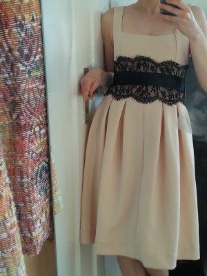 Roséfarbenes Kleid von asos für festliche Anlässe und Sommerpartys!