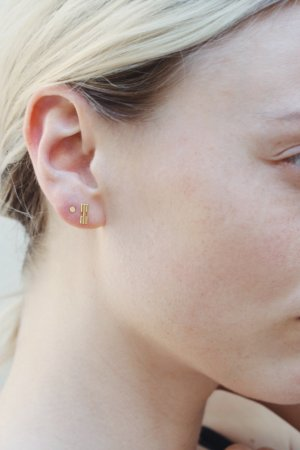 Ear stud nude real gold