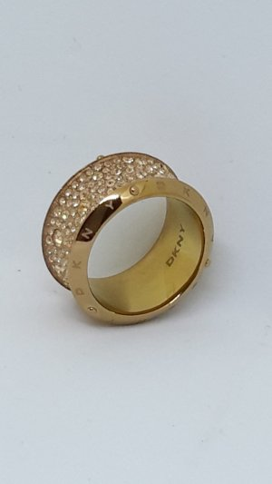 roségoldfarbener DKNY Ring mit Glitzersteinchen