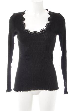 Rosemunde Rundhalspullover schwarz schlichter Stil