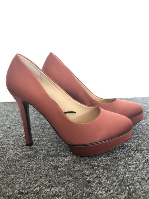 Rostrote H&M Pumps
