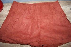 Rostrote Wildleder Hotpants
