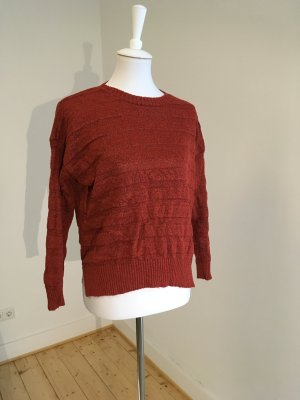 Rostroter warmer Pullover