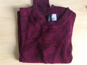 Rot blau gemusterter Pullover