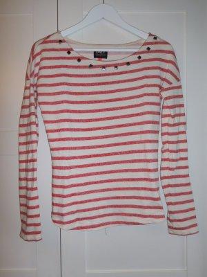 rot-cremeweiß gestreifter Pullover