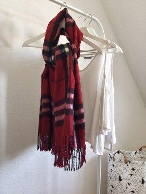 Rot kartierter Schal