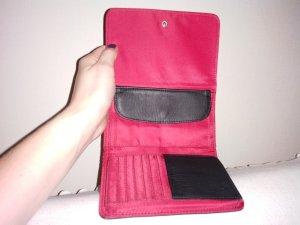 Rot-schwarzes Portemonnaie