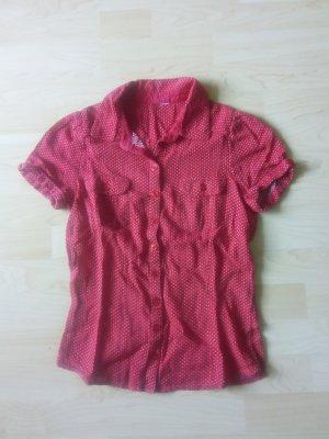 rot-weiß gepunktete Bluse