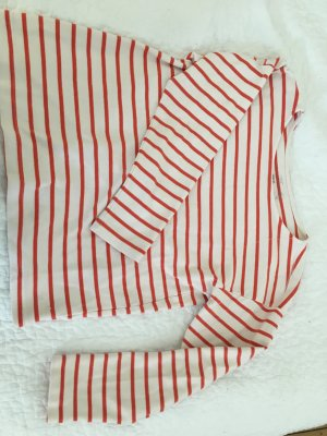 Rot - Weiß gestreifter Pullover