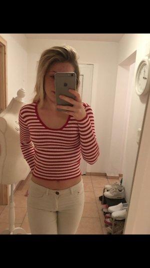 Rot weiß gestreiftes Shirt