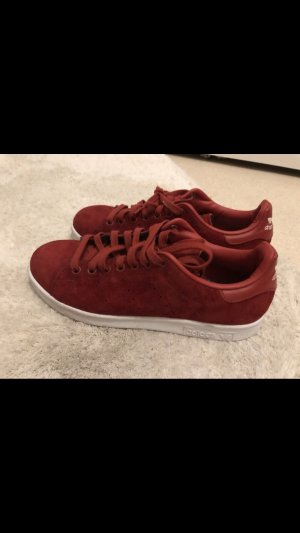 Rote Adidas Superstar Stan Smith