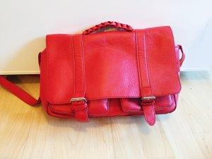 """Rote """"Aktentasche"""" von H&M"""