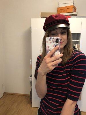 Rote Baker Boy Mütze mit schwarzem Schild