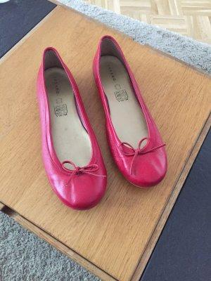 Rote Ballerinas aus Leder