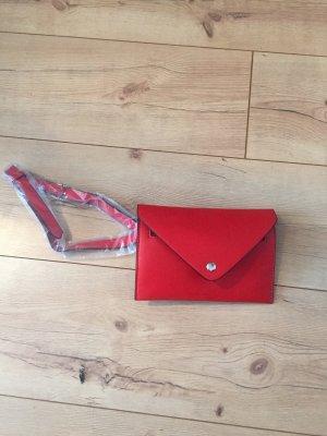 Rote Beltbag von Zara