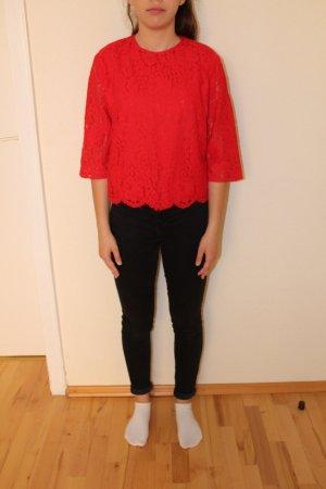 Rote Bluse mit Spitzen und 3/4 Ärmeln elegant schick kurz