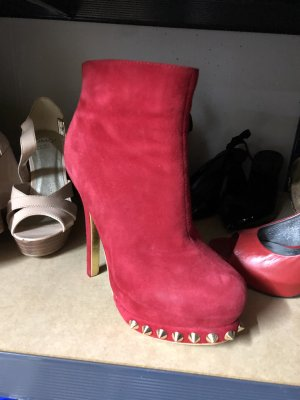 Rote Boots