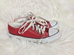 Rote Chucks