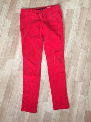 rote Cord-Röhrenhose