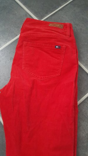 Rote Cordhose Tommy Hilfiger