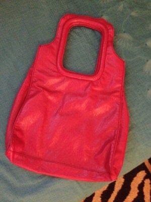 Rote Damen-Tasche der Marke Bershka.