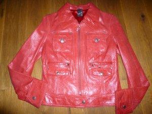 Rote detailstarke Lederjacke von MAZE.